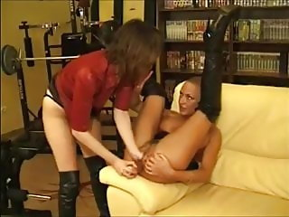 Delfynn Delage, Fisting and Lesbian Fun with other women 02
