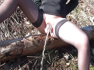 Outdoor pissing 1