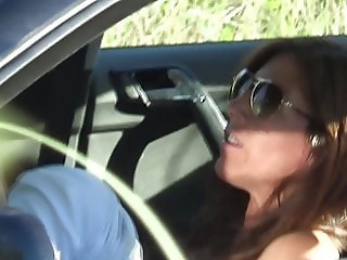 TugaVoyeurPT - Couple pokies tits in the car