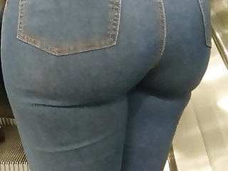 Candid Juicy Bubble Butt Tight Jeans Round Ass