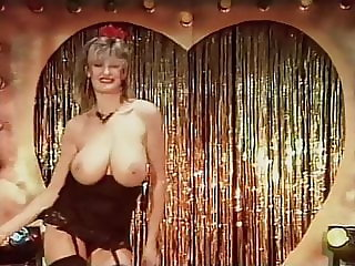 TOUCH ME - vintage English big tits striptease dance