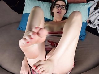 Keri B. Toe Sucking And Babymaking in private