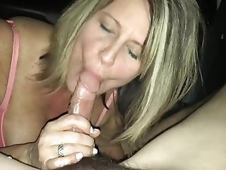 Blowjob in the car - Hot milf swallows the cum