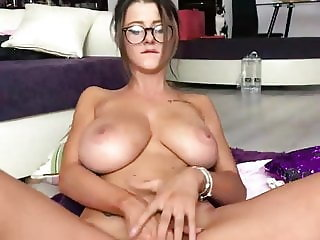 Huge tits webcam girl masturbating