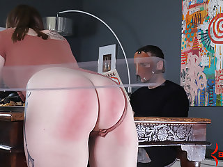 Hot big-butt girl gets beaten by spanking machine at dinner
