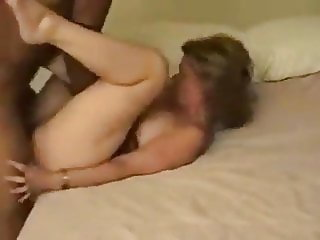 Busty Wife Cuckolds Husband on WifeSharing666com