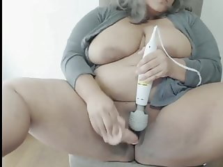bbw playing with pussy