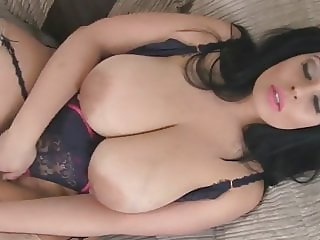 Anastasia Lux Masturbates On The Couch