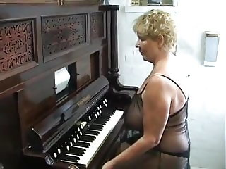 Angie plays with my organ