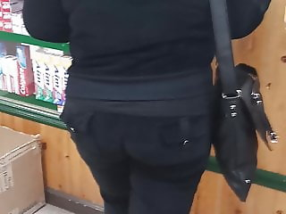 Black rachet booty granny in sweats