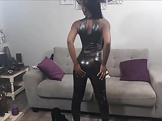 Sexy Ebony Woman in Shiny Leggings