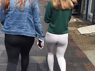 Stamford Hill Peachy ass in leggings x 2 North London uk