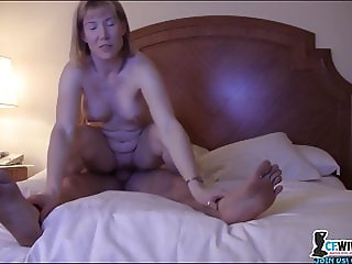 A mature Blonde like riding a dick