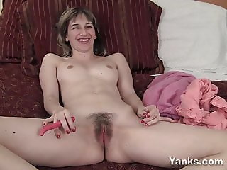 Yanks Alice Masturbating
