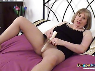 EuropeMaturE Seductive Solo with Long Dildo