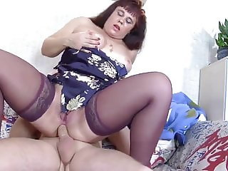 Mature milf woke up from her roommate's cock in the ass