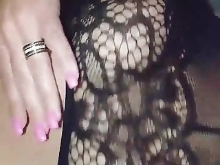 BBw in fishnet pantyhose masturbating