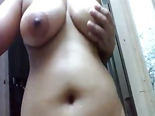 Srilankan cute girl bathroom nude show