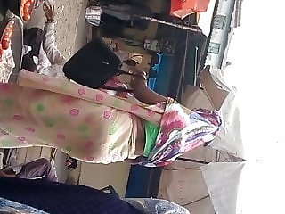big ass ever desi gujju aunty in saree