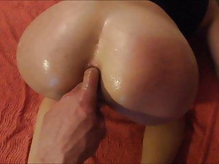 Squirting pussy and spanked ass