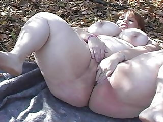 SSBBW HI-YELLAR EDBONE FREAK OUTSIDE