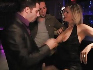 French MILF threesome swinger club
