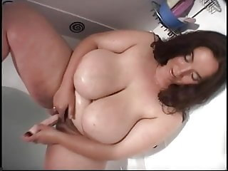 Cute BBW plays her hairy cunt
