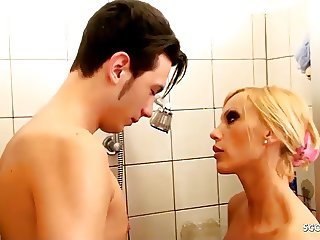 HOT GERMAN STEP MOM SEDUCE YOUNG BOY SON TO FUCK IN SHOWER