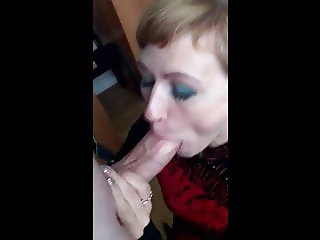 Office manager makes a really deep blowjob