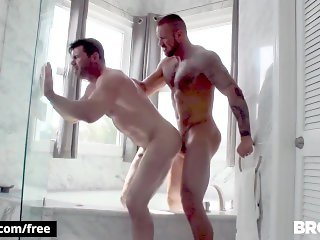 BROMO - to Switch hunks rim and fuck in the bath