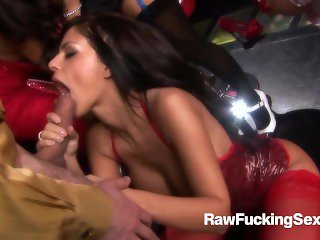 Raw Fucking Sex - Famous Fuck Orgy With Anna Lovato