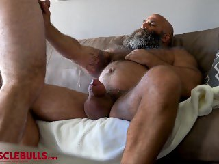 HAIRY MUSCLE BEAR STROKES BIG FAT COCK UNTIL SHOOTING A BIG LOAD