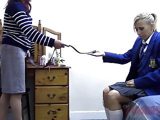 Mummy spanks her