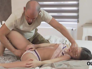 Old4k. When Beautiful Slut Wakes Up, She Gladly Finds Old Man In Bed