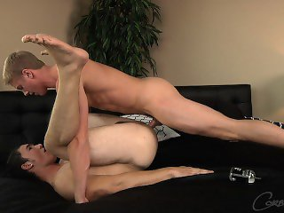 Corbin Fisher - Blond frat boy Kent pounds muscle jock Reed
