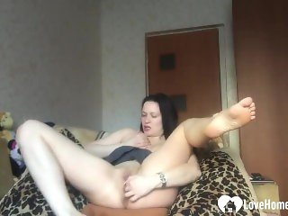 Desirable Stepsister Shows Off Her Sexy Solo Skills