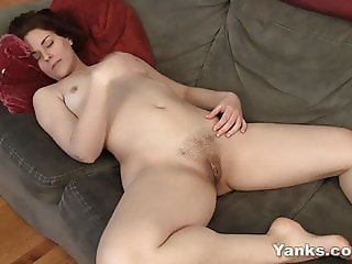 Yanks Honey Vera Masturbating
