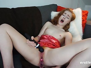 Classic Looking Redhead Luna Flying Solo