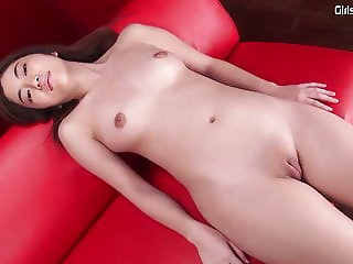 solo Japanese pretty babe shaved pussy