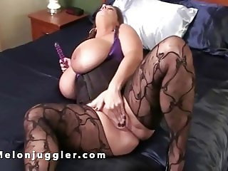 Huge tits Maria fucking her pussy