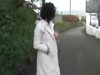 Naked Stacy caught on road