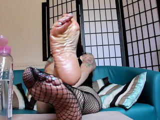 'Amy Wynters Oily Wrinkled Soles Fishnet Custom Foot Fetish JOI'