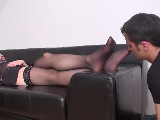 'slave richie must lick her nylon feet'