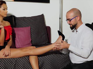 'A FETISH DREAM COME TRUE - VERONICA LEAL FEET LICKING BAREFOOT'