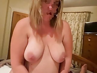 Messy cumshot from babe with big natural hanging tits