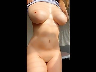 Teen flashes her perfect tits